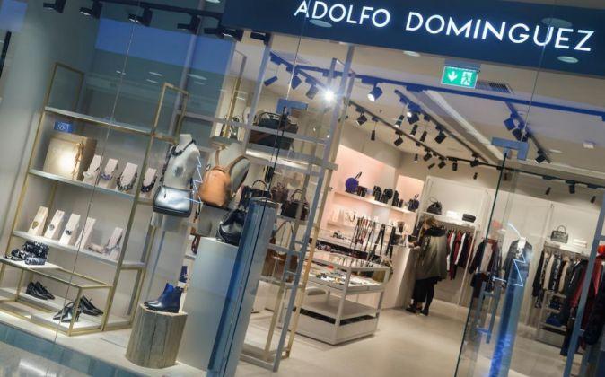 Adolfo dom nguez reduce sus p rdidas un 41 hasta el for Tiendas adolfo dominguez valencia