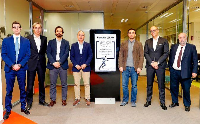De izquierda a derecha: Giorgio Semenzanto, director general de...