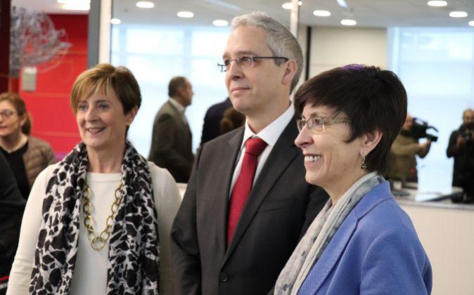 De izquierda a derecha, Arantza Tapia, Javier Diéguez y Estefanía...