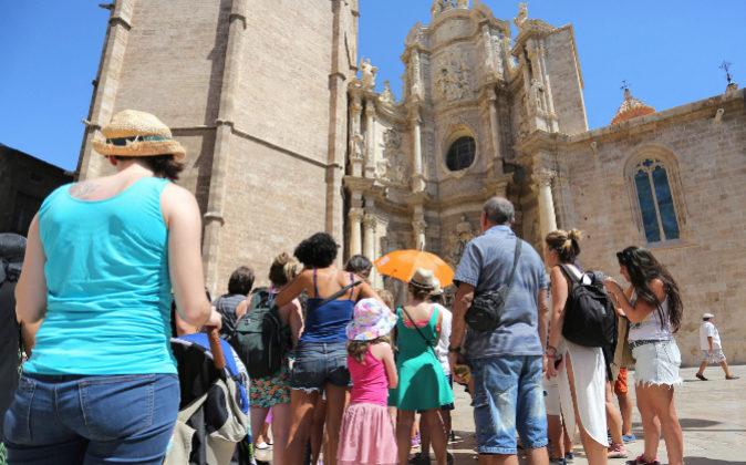 Espa a recibi 82 millones de turistas en 2017 un nuevo for Agencia turismo madrid