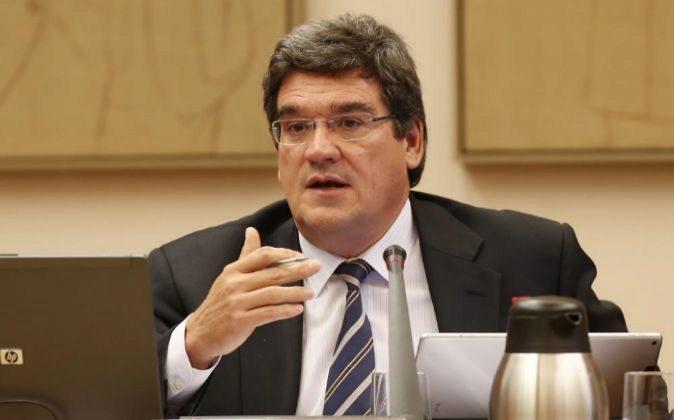 José Luis Escrivá, presidente de la AIReF, en el Congreso de los...