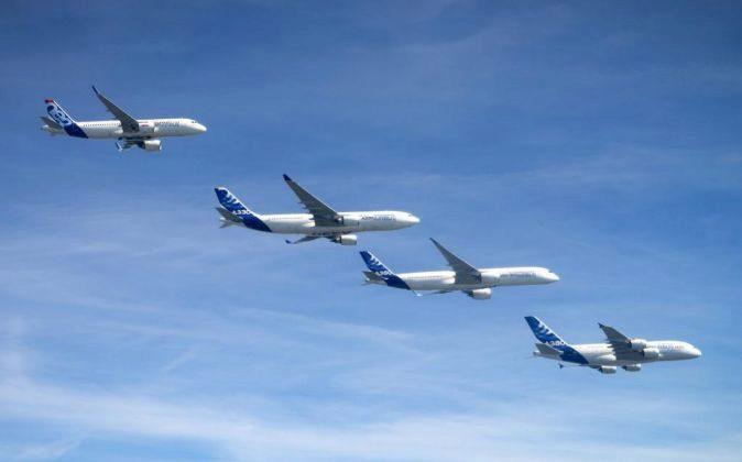 Fotografía facilitada por Airbus que muestra a los aviones de la...