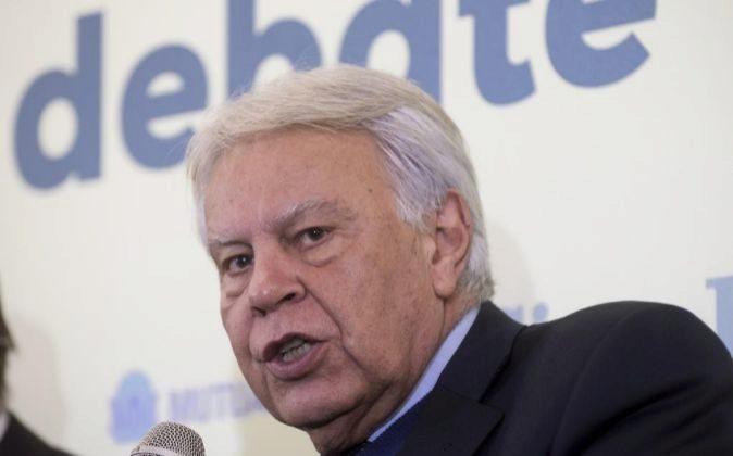 Felipe González, en un debate sobre las pensiones.