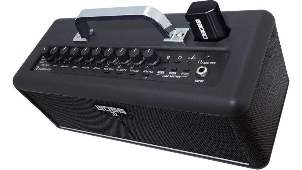 Imagen del amplificador de Boss Katana-Air, que funciona con pilas...
