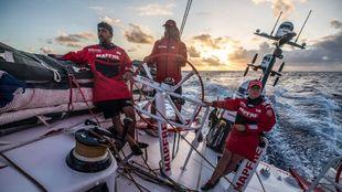 Willy Altadill, Rob Greenhalgh y Támara Echegoyen, durante la etapa...