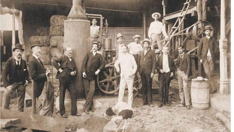 Don Alfredo Pellas Canessa empiezó a producir pequeños lotes de ron...