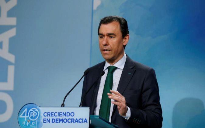El coordinador general del Partido Popular, Fernando...