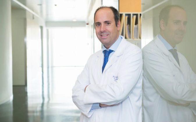 El médico Javier Cortés es director del IOB Madrid en el Hospital...