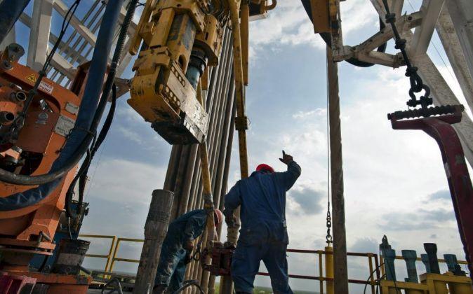 Imagen de instalaciones petroleras en EEUU