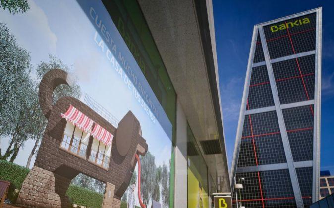 Sucursal de Bankia junto a la sede de la entidad en Madrid.