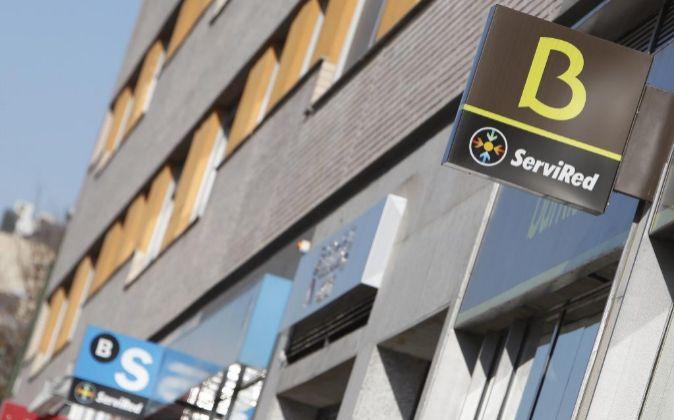 Sucursales de Bankia y Banco Sabadell.