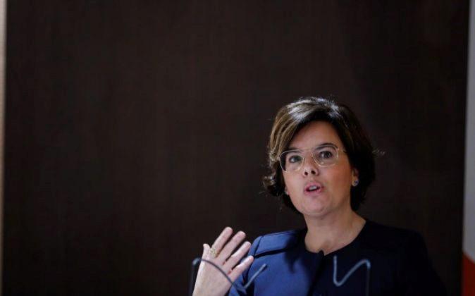 La vicepresidenta del Gobierno, Soraya Saénz de Santamaría, durante...