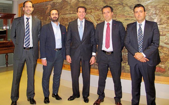 De izquierda a derecha, Asier Sinde, director internacional de ventas...