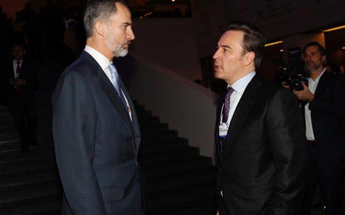 El Rey Felipe VI junto al presidente de El Corte Inglés, ayer en...