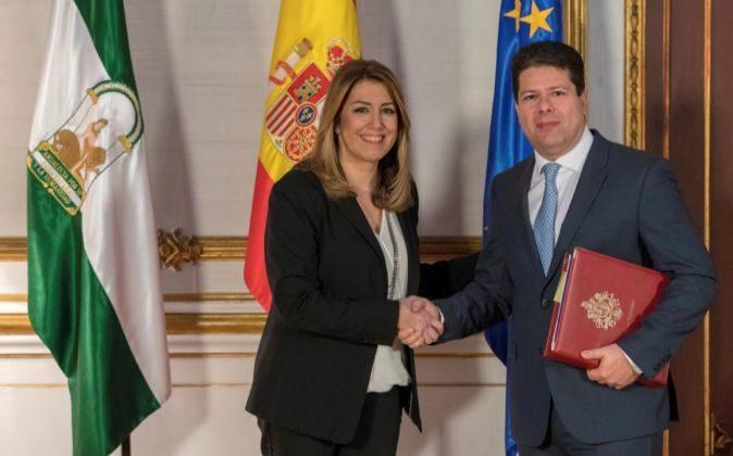La presidenta andaluza, Susana Díaz, y el ministro principal del...