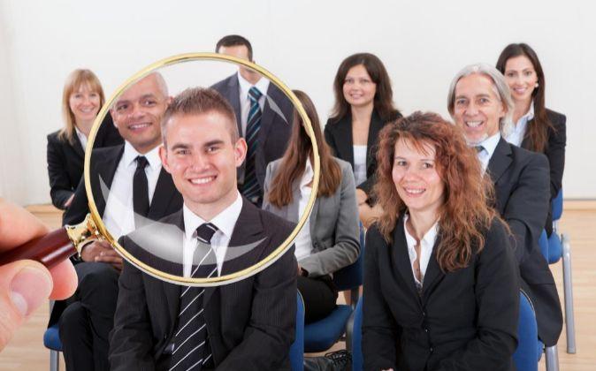 Más de 50 contactos para encontrar un trabajo