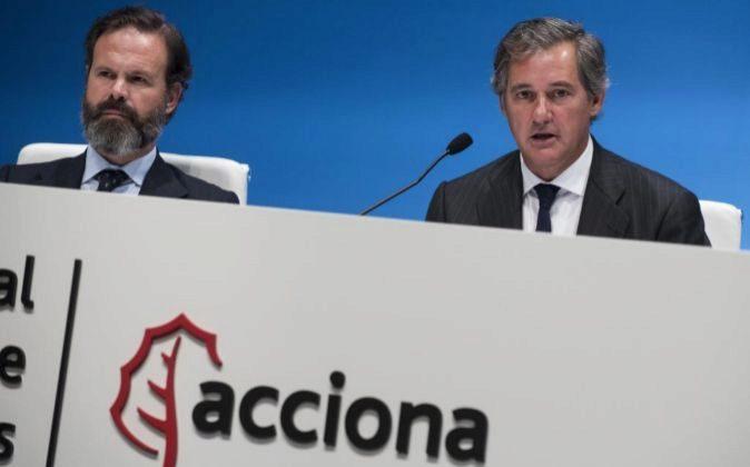 Juan Ignacio Entrecanales y José Manuel Entrecanales en la junta de...
