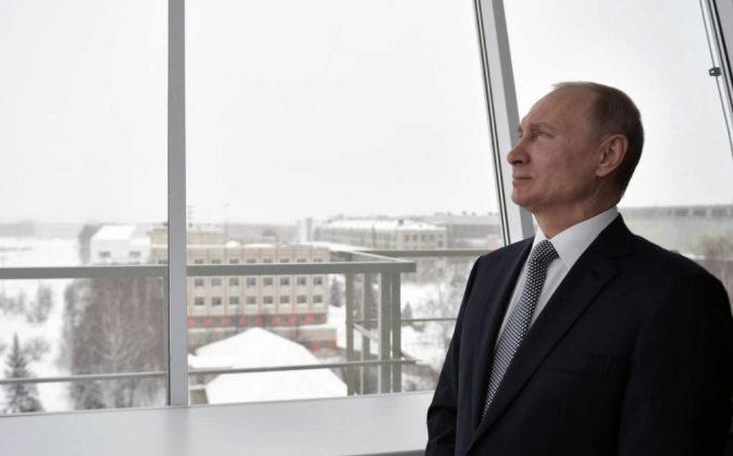 El presidente ruso, Vladímir Putin, asiste el pasado jueves a un...