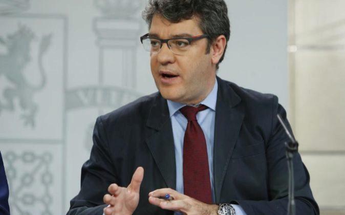 Álvaro Nadal es el Ministro de Energía.