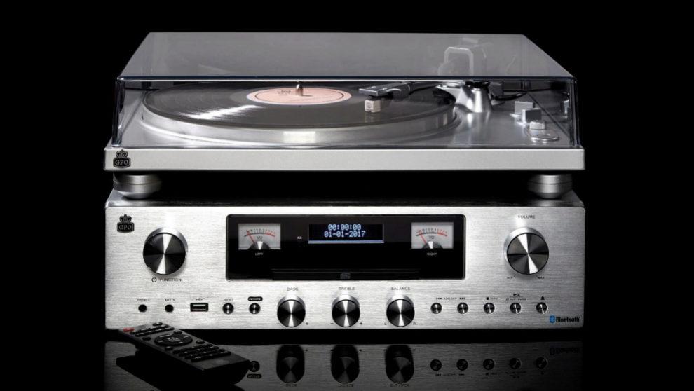 El tocadiscos PR100 creado por la empresa inglesa GPO.