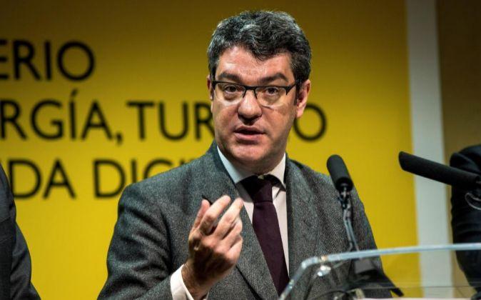 Alvaro Nadal, ministro de Energía, ayer durante su comparecencia en...