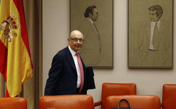 El ministro de Hacienda y Función Pública, Cristóbal Montoro,...
