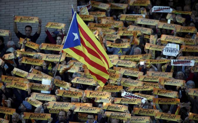 """Una bandera """"estelada"""", durante la manifestación convocada..."""
