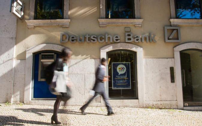 Oficina de Deusche Bank en Lisboa (Portugal).