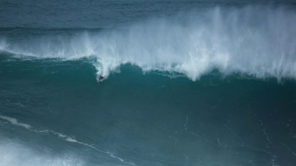 Kalani Lattanzi, practicando bodysurf es una ola de grandes...