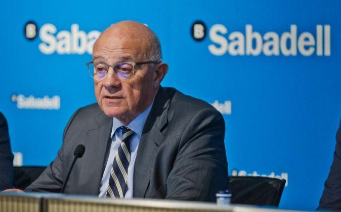 Josep Oliu es el presidente de Banco Sabadell.