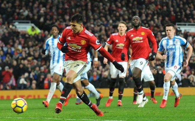 Alexis Sanchez en un partido con el  Manchester United.