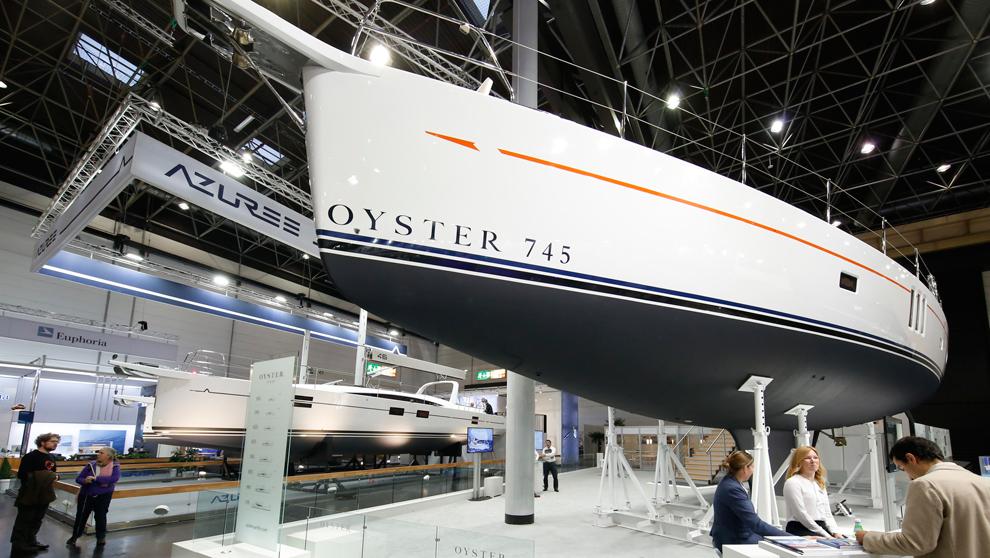 El Oyster 745 exhibido en el último salón náutico de Düsseldorf.