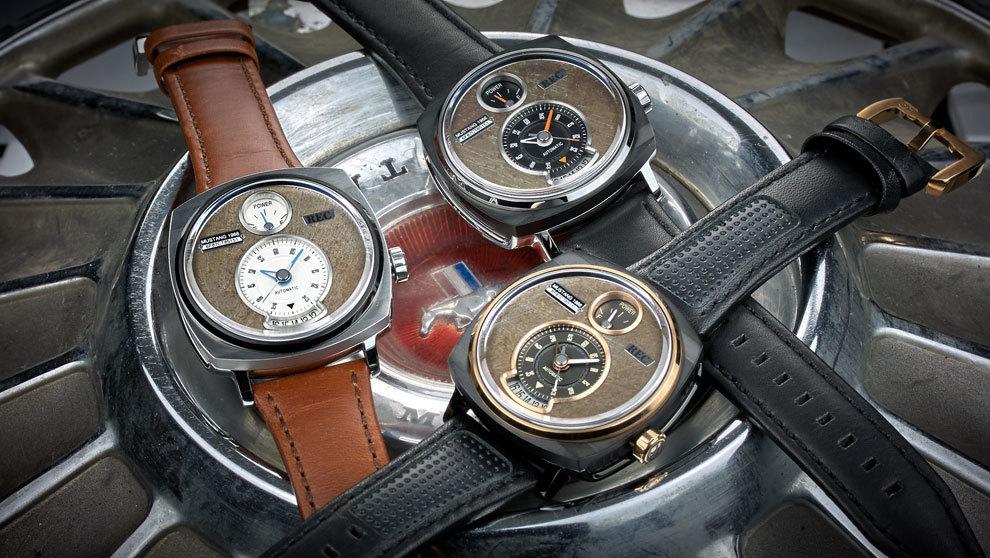 Imagen de los relojes elaborados con piezas recicladas de los Ford...