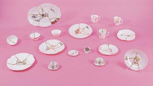 Imagen de cada una de las piezas que componen la vajilla El arte de la...