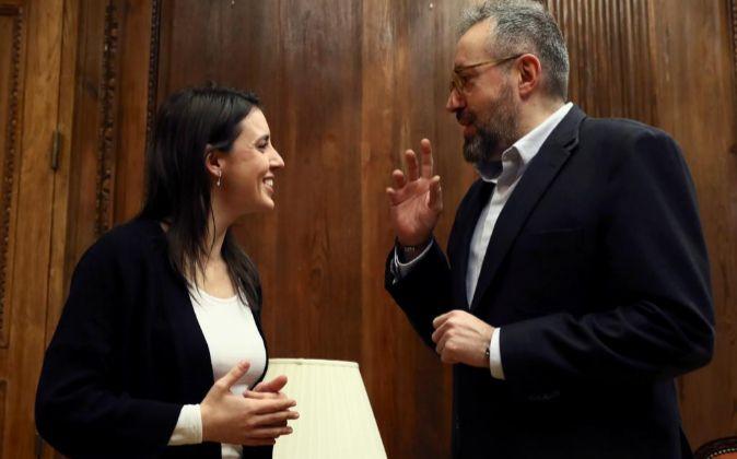 Los portavoces parlamentarios de Ciudadanos y Podemos, Juan Carlos...