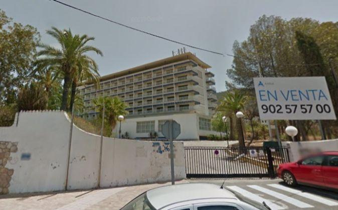La antigua residencia del BBVA en Alfaz del Pi en una imagen de Google...