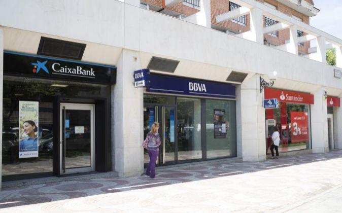 Sucursales de CaixaBank, BBVA y Santander.
