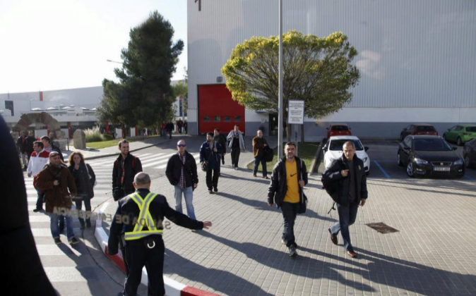 Salida de empleados de la fábrica de Seat en Martorell el pasado 5 de...