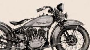 Harley-Davidson VL de 1933 con el primer dibujo de un águila en el...