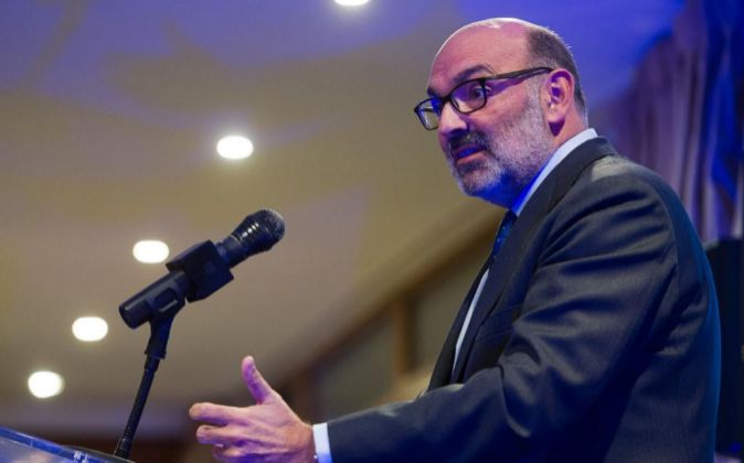 Fernando Abril Martorell es el presidente de Indra.