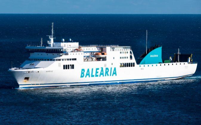 El ferry Nápoles, uno de los dos que ya operaba y que la naviera...