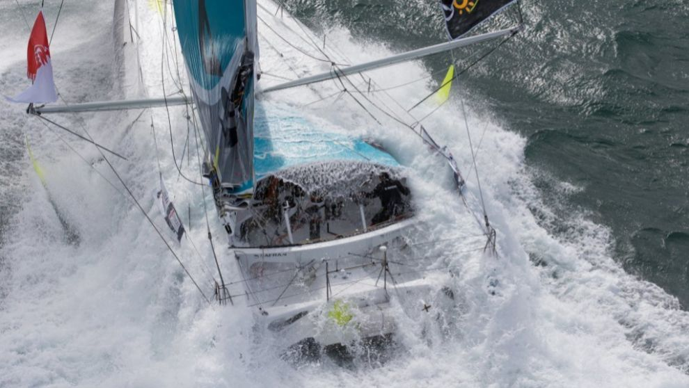 Un velero de clase IMOCA, durante la última Vendée Globe.