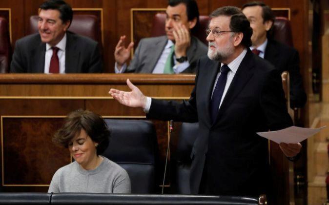 El presidente del Ejecutivo, Mariano Rajoy, durante su intervención...