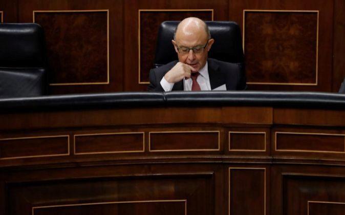 El ministro de Hacienda, Cristobal Montoro, la semana pasada en la...