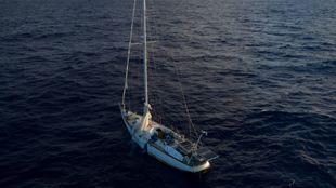 El velero descubierto por el Turn The Tide on Plastic.