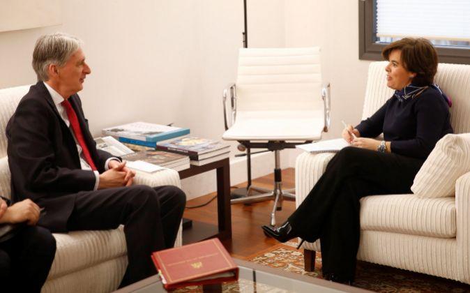 La vicepresidenta del Gobierno, Soraya Sáenz de Santamaría durante...
