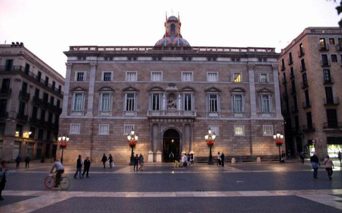 Plaza Sant Jaume, edificio Palau de la Generalitat.