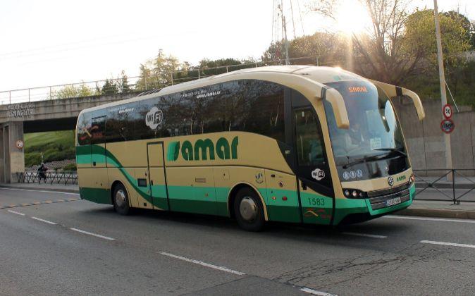 Autobús de Samar circulando.