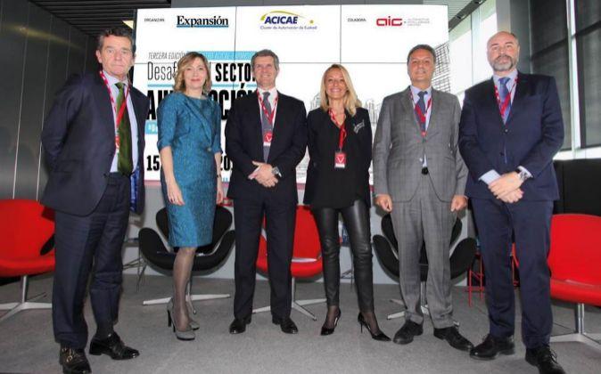 Mario Armero, vicepresidente de ANFAC; Inés Anitua, directora de...