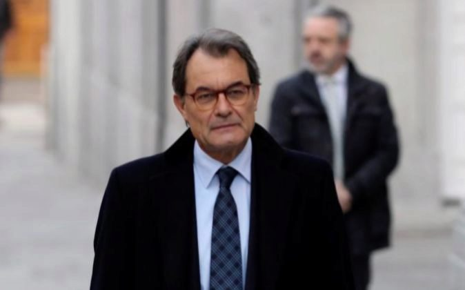 El expresidente de la Generalitat y expresidente del PDeCAT, Artur...